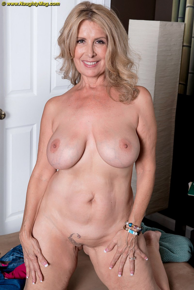 Hot Nudes Over 50