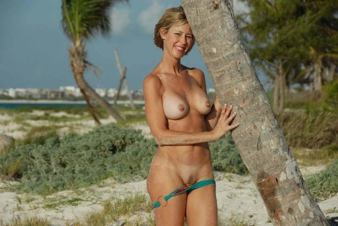 Mature Nude Babes