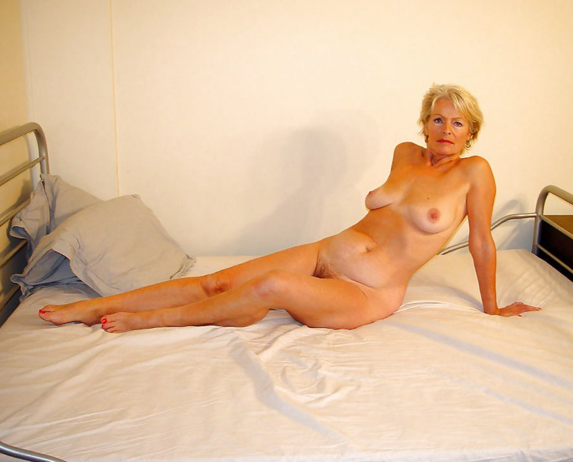 Naked Ameture Women